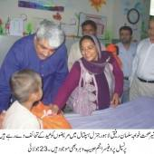Anjuman-e-Behbood-e-Mareezan distributes Eid gifts among patients at Lahore General Hospital