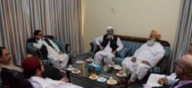 Siraj ul Haq discuss political situation with Molana Fazal ur Rehman