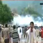 Clash started again in Islamabad,protesters pelting stones and police is shelling
