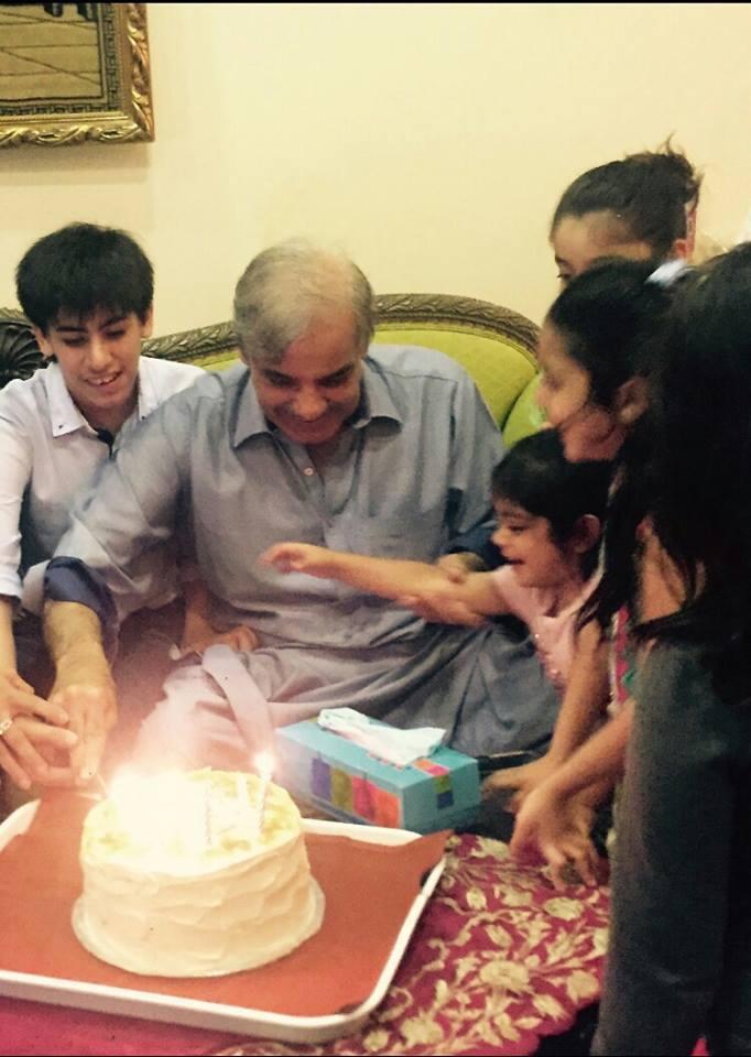 Shahbaz Sharif celebrates his brthday with grandchildren.jpg